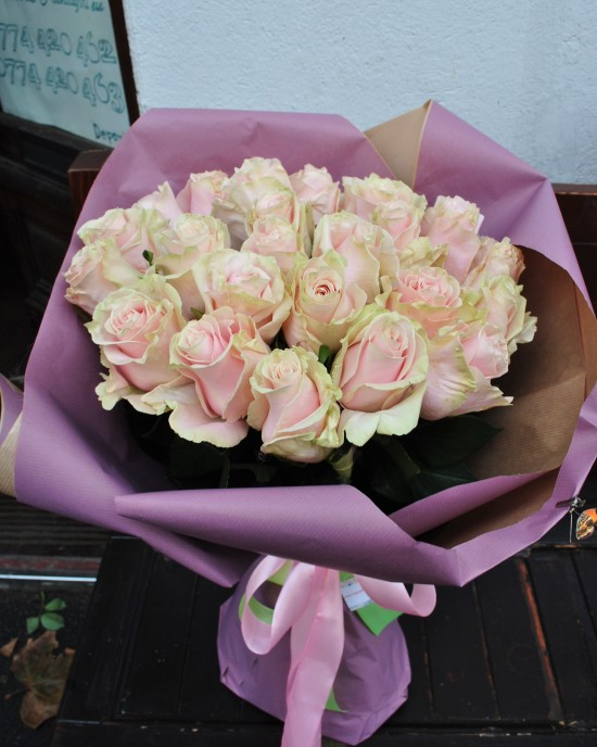 Buchet trandafiri Light Pink