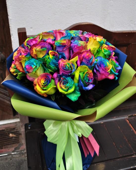 Buchet trandafiri Rainbow