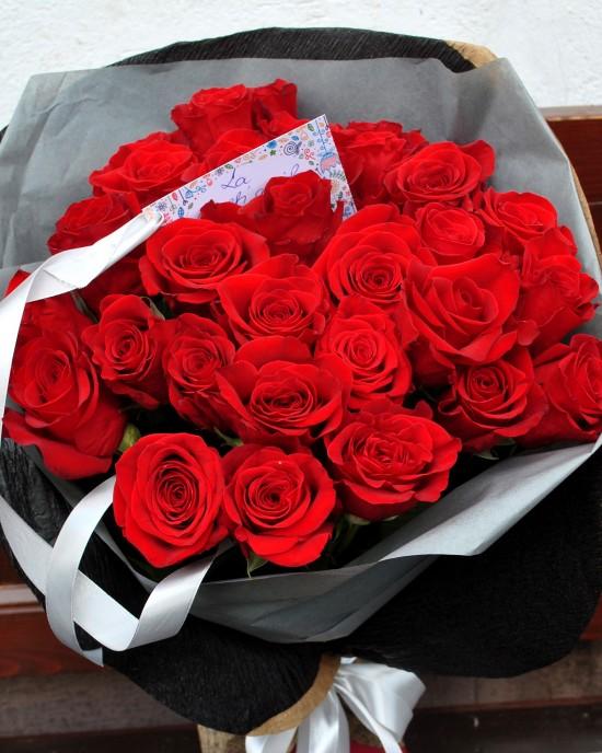 Buchet trandafiri rosii Passion